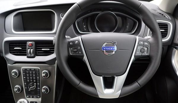 Volvo V40 Hatchback D2 [120] R DESIGN Pro 5dr Geartronic
