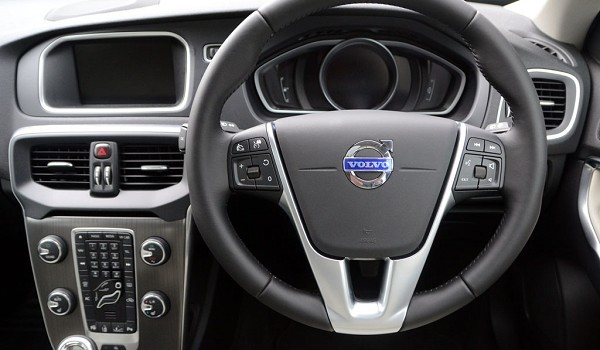 Volvo V40 Hatchback D3 [4 Cyl 150] R DESIGN Pro 5dr Geartronic