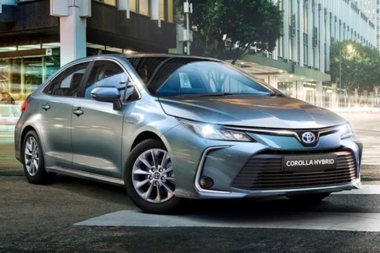 Toyota Corolla Saloon Leasing